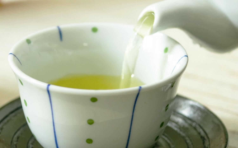 茶 を 沸かす へそ が